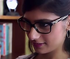 Bangbros - mia khalifa is arrange by and hotter than ever! roll in the affirmative out!