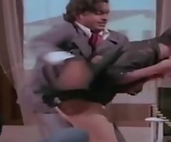 Bolly actress unmitigatedly hot upskirt g-string sham from old dusting